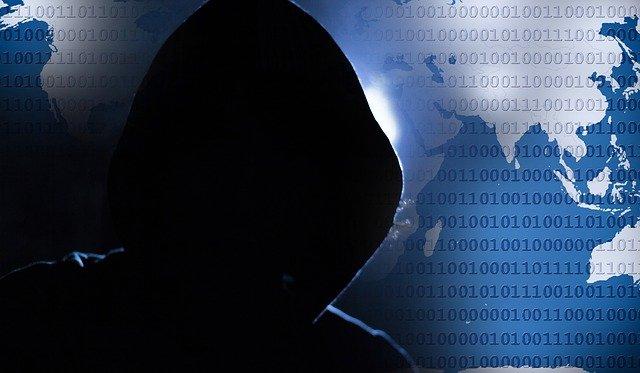 počítač a hacker
